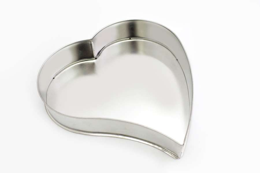 Heart Shaped Cake Tins : Tin mould curved heart shaped Calder Casalinghi